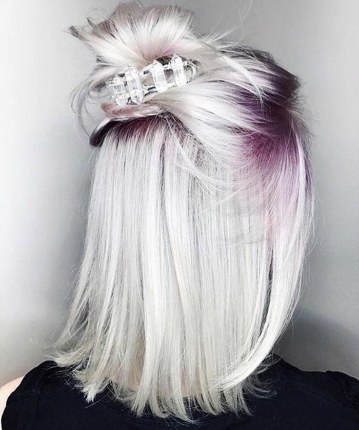 Couleur violet sur cheveux blond