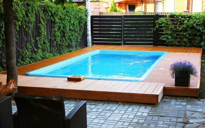 installer une petite piscine coque le luxe est d j. Black Bedroom Furniture Sets. Home Design Ideas