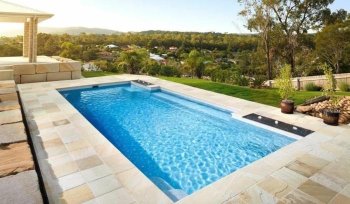 Installer une petite piscine coque le luxe est d j for Petite piscine naturelle