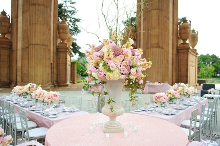 photo-de-salle-de-mariage-decoree-idee-decoration-mariage-chic-et-glamour