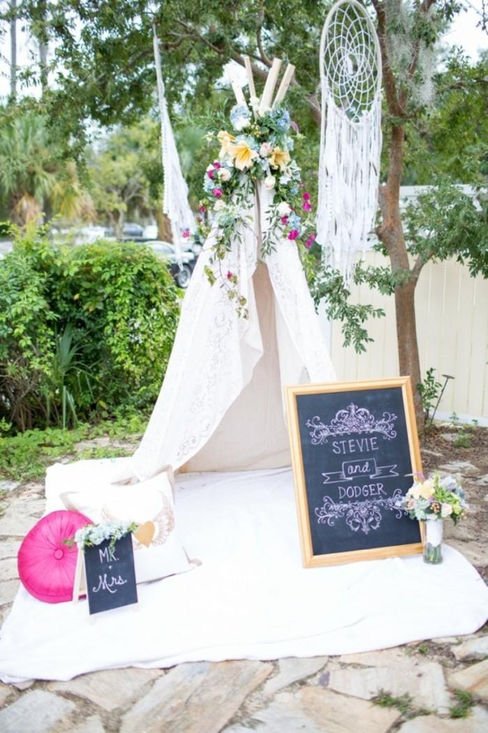 photo-de-salle-de-mariage-decoree-idee-decoration-mariage-les-differentes-couleurs-dehors-deco-mariage