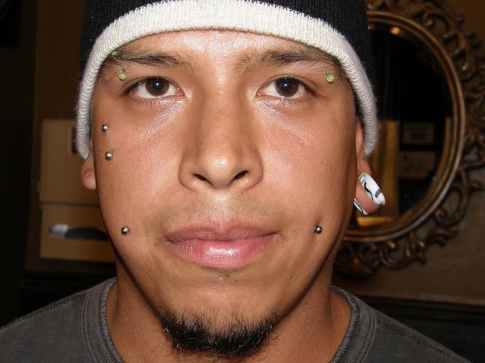 piercings sourcils arcades homme garcons barbell barre boules