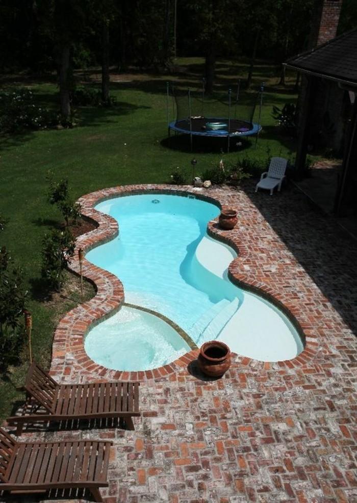 Installer une petite piscine coque le luxe est d j for Piscine pour petit espace