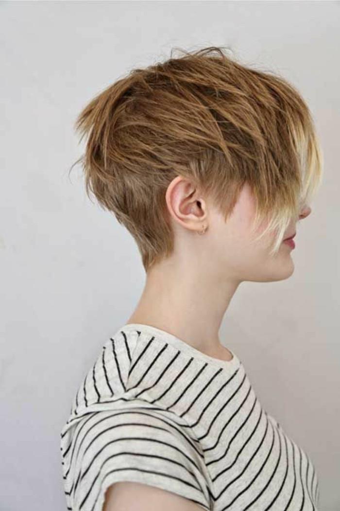 pixie-coiffure-coupe-de-cheveux-courte-femme