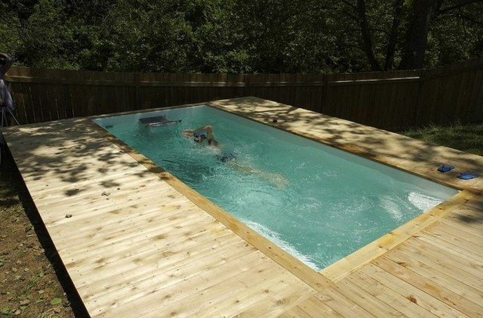 Mini piscine en bois for Piscine semi enterree 10m2