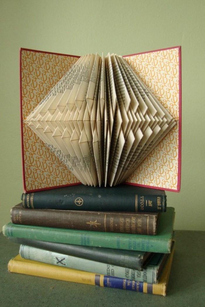 pliage-de-livre-figures-originales-a-faire-avec-des-livres