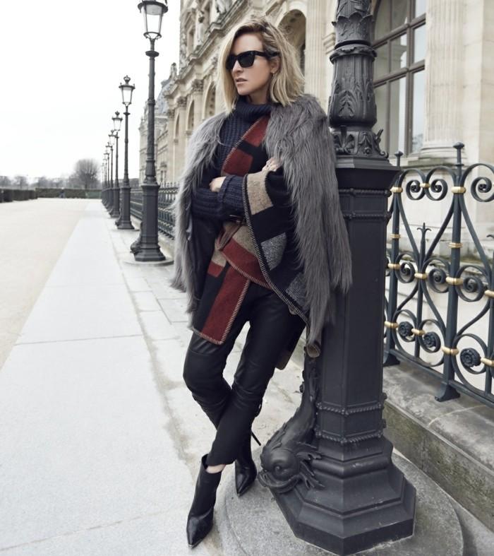 poncho-manteau-élégance-et-style-vision-en-couleurs-foncées