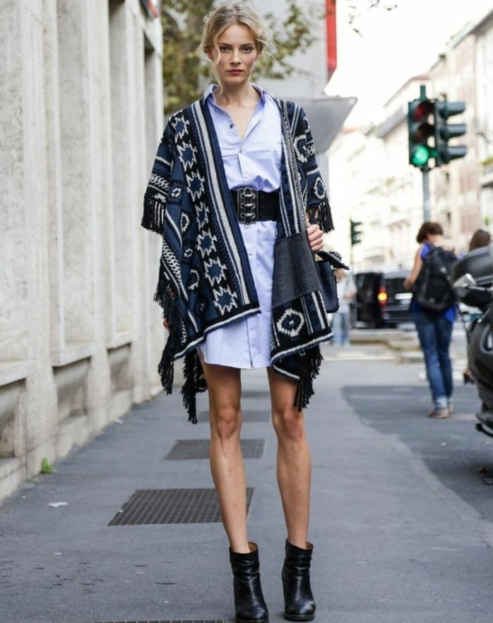 poncho-manteau-combiner-avec-une-chemise-robe-et-ceinture