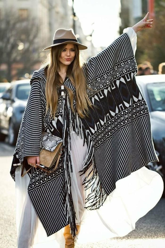 poncho-mode-boho-chic-style-beauté-naturelle-confidence-feminine