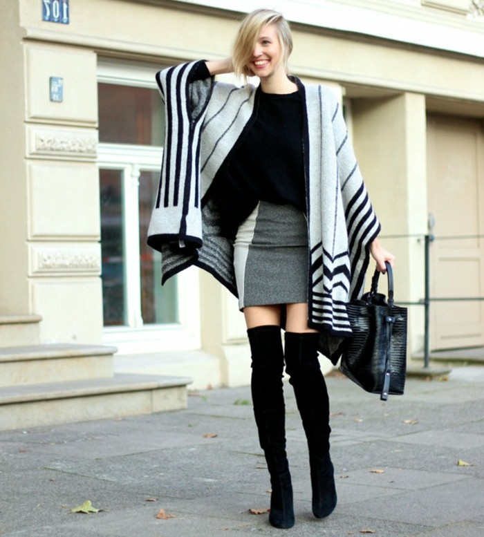 poncho-mode-cheveux-courts-blonds-jupe-grise-sourire-remarquable