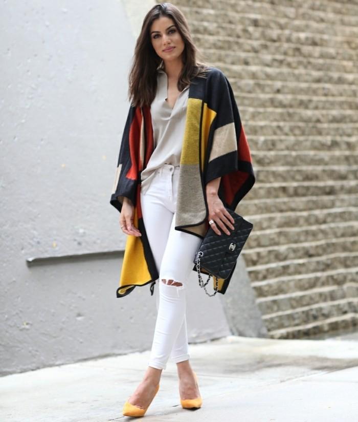 poncho-mode-comment-etre-élégante-vision-classique-en-couleurs-fraîches