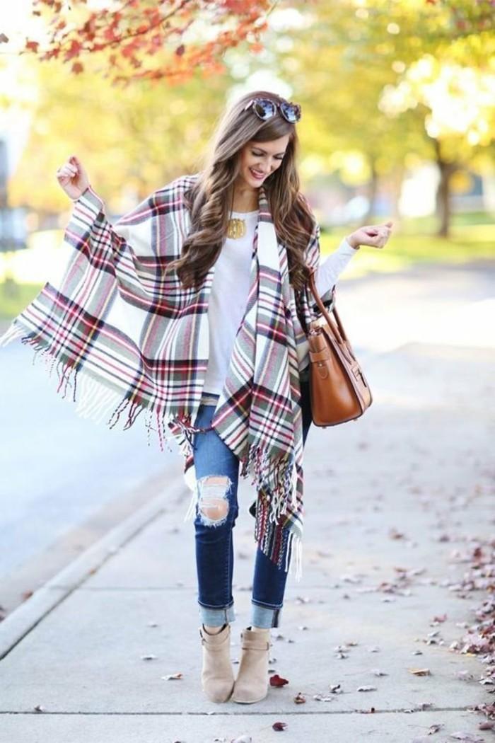 poncho-mode-joie-de-vivre-sourire-bijoux-et-accessoires-nature-d'-automne