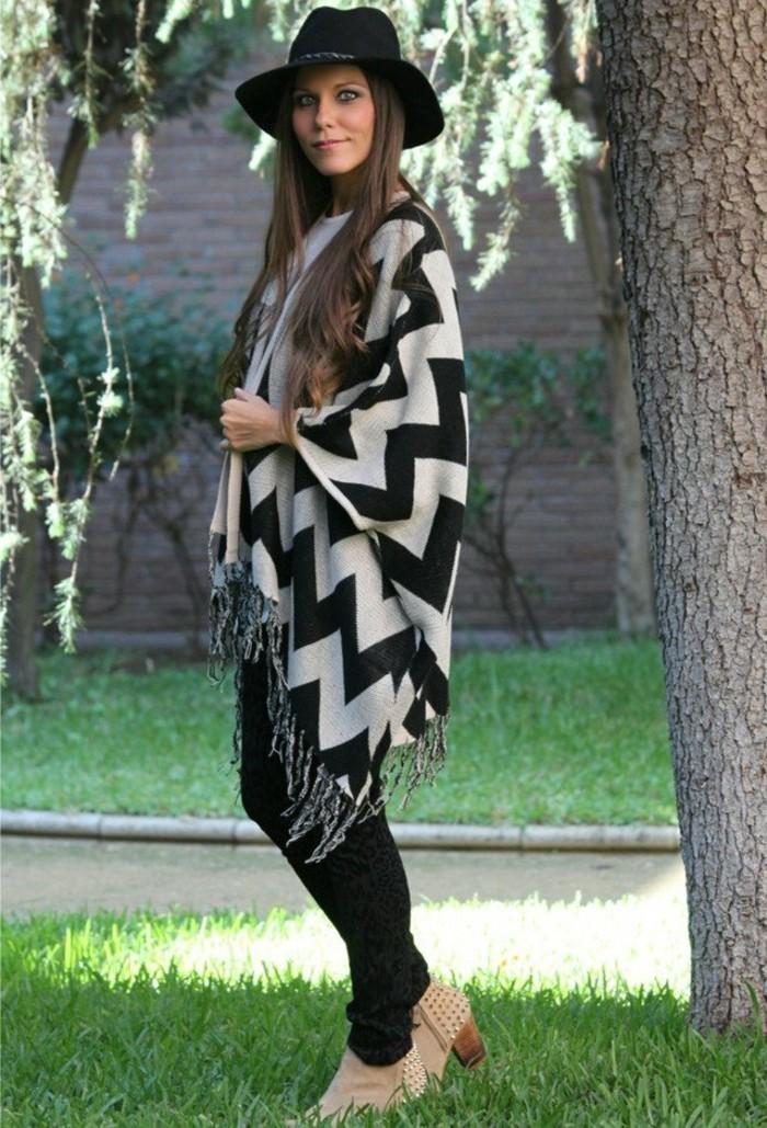 poncho-mode-vision-printemps-ou-automne-cape-longue-en-blanc-et-noir
