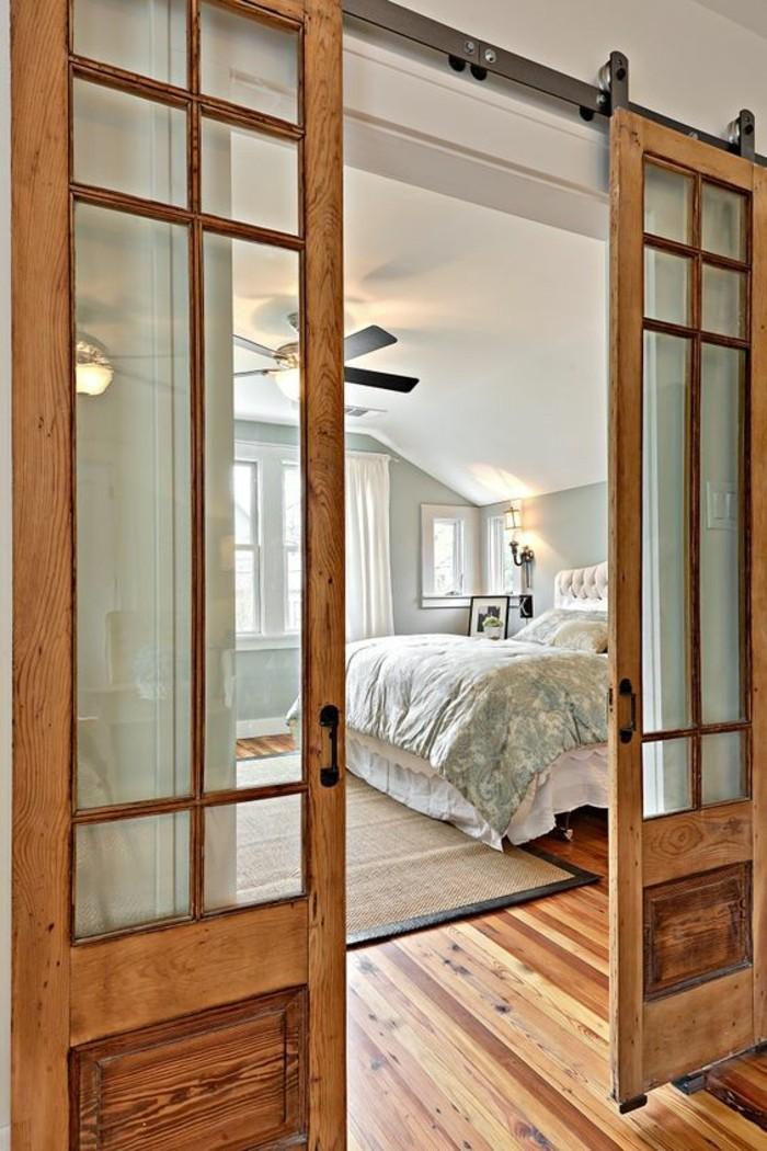 porte-coulissante-double-porte-à-galandage-vitrée-déco-rustique