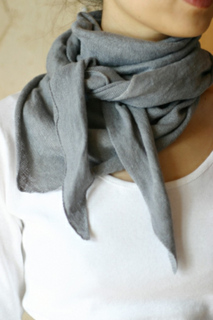 porter-un-foulard-cache-col-original-avec-son-foulard