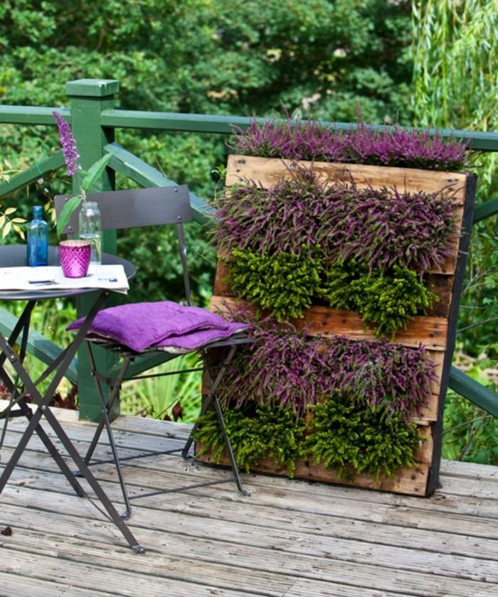 Le mur v g tal en palette id es originales pour un for Deco jardin fleuri