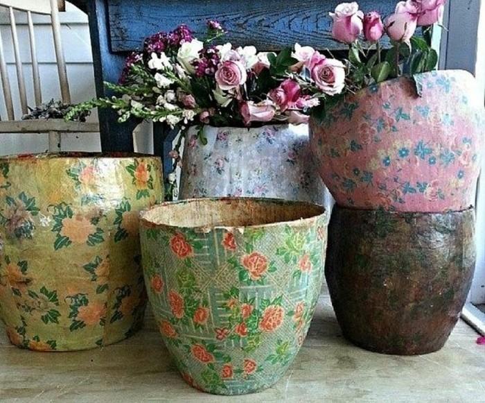 pots-a-fleurs-shabby-chic-papier-maché-motifs-floraux-idée-originale-decoration-bouquets-de-rose-resized