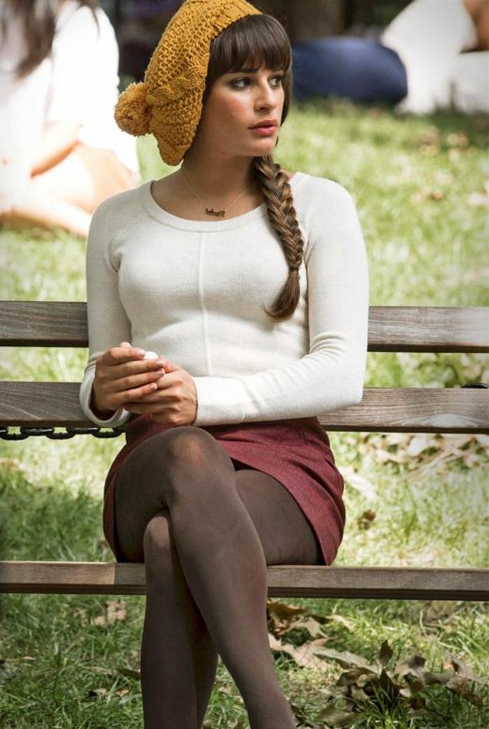 quelle-couleur-avec-le-jaune-bonnet-jaune-au-tricot