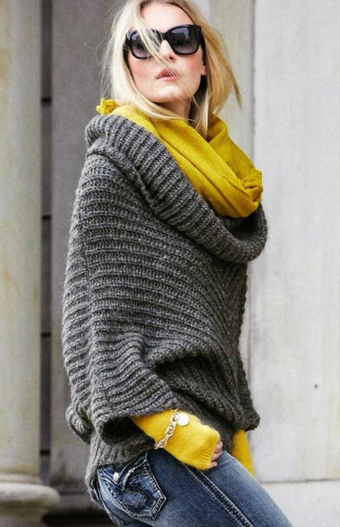 quelle-couleur-avec-le-jaune-foulard-infini-et-gants-jaunes