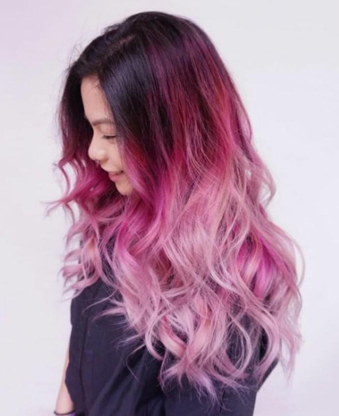 réussir-son-balayage-rose-cheveux-couleur-framboise