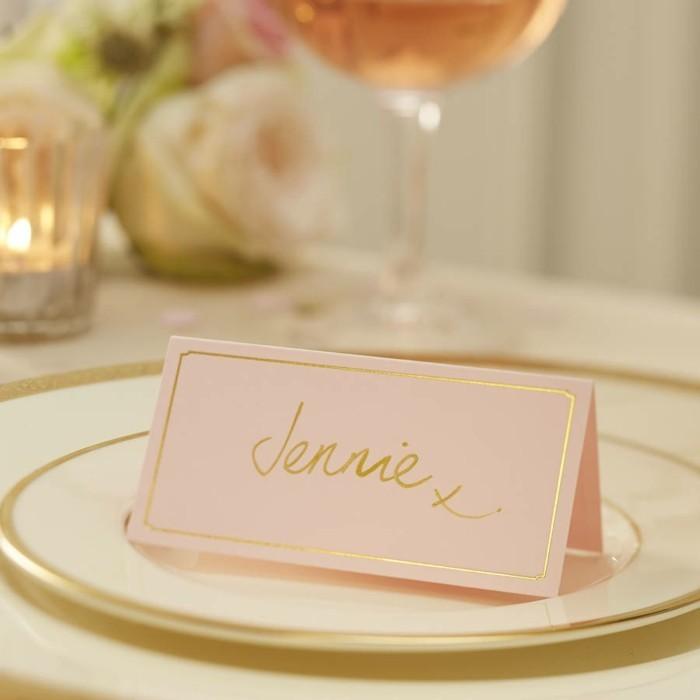 retro-themes-de-mariage-idees-deco-mariage-carte-de-table
