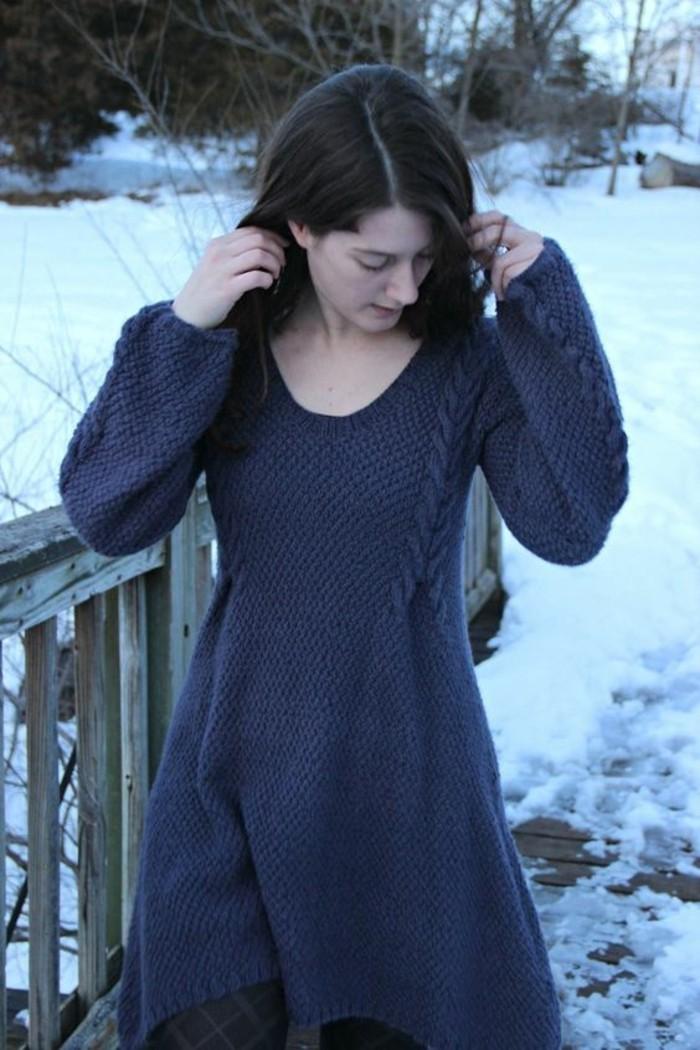 robe-en-laine-au-devant-plus-court-bleu-royal