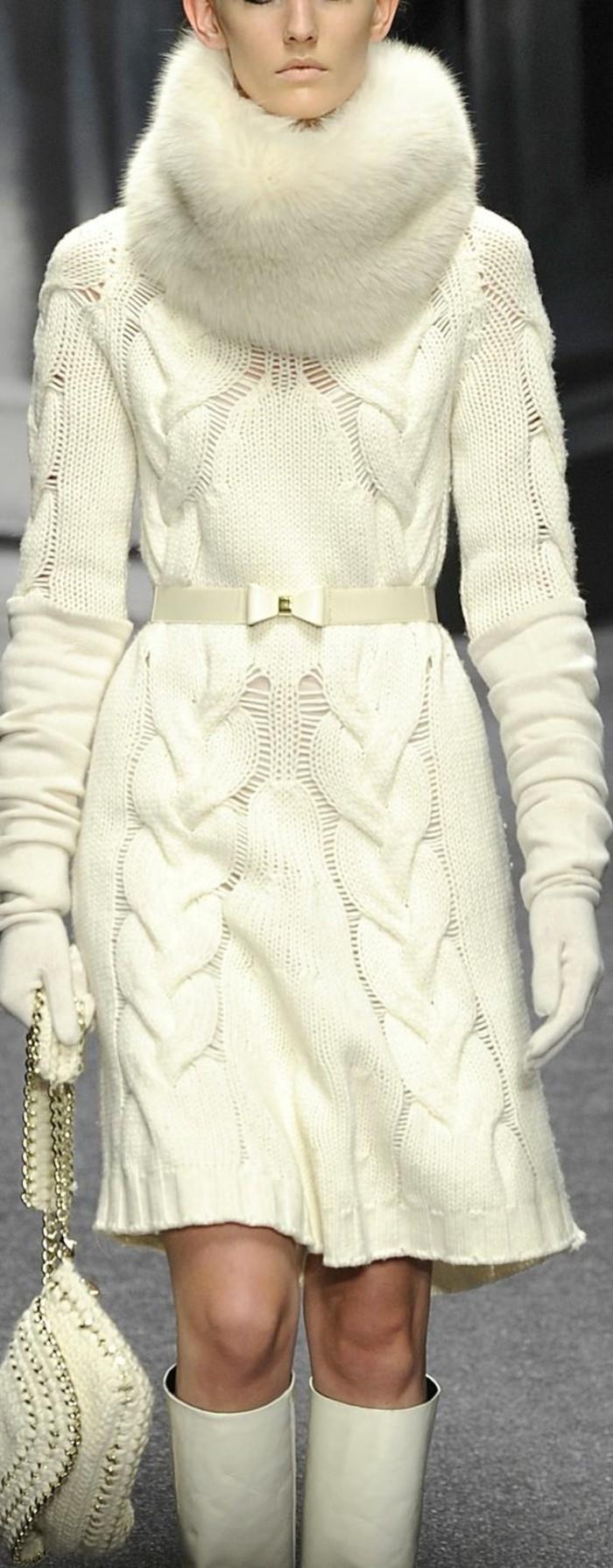 Robe sans manche blanche porte