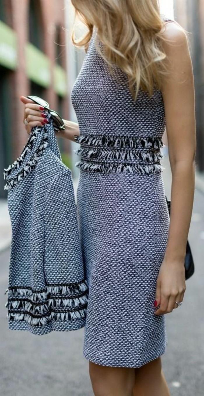 robe-en-laine-bleu-ciel-combinée-avec-une-veste-style-élégant