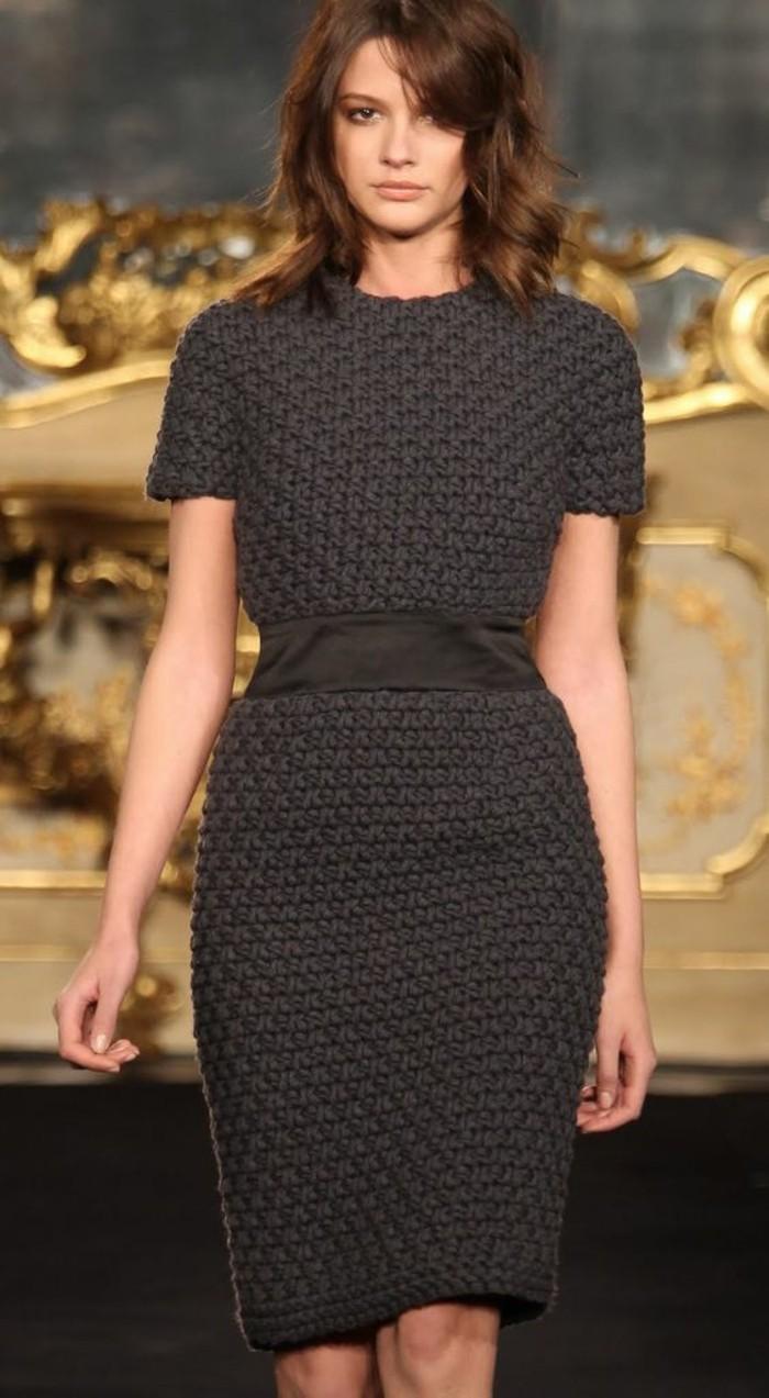 robe-en-laine-femme-gris-élégance-maximale