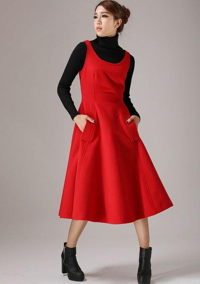 robe-en-laine-sans-manches-rouge-avec-deux-petites-poches