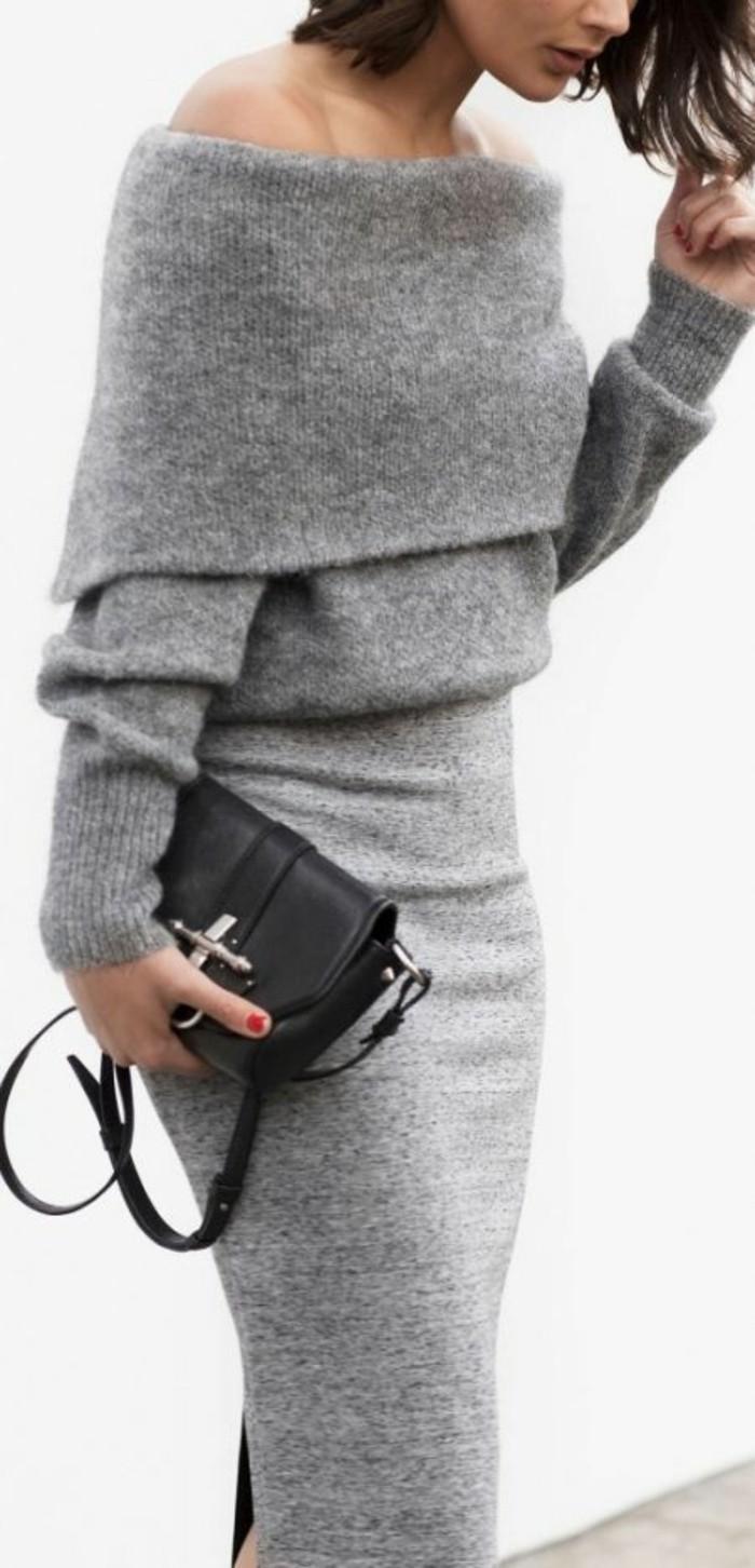 robe-en-laine-très-élégante-en-gris-clair