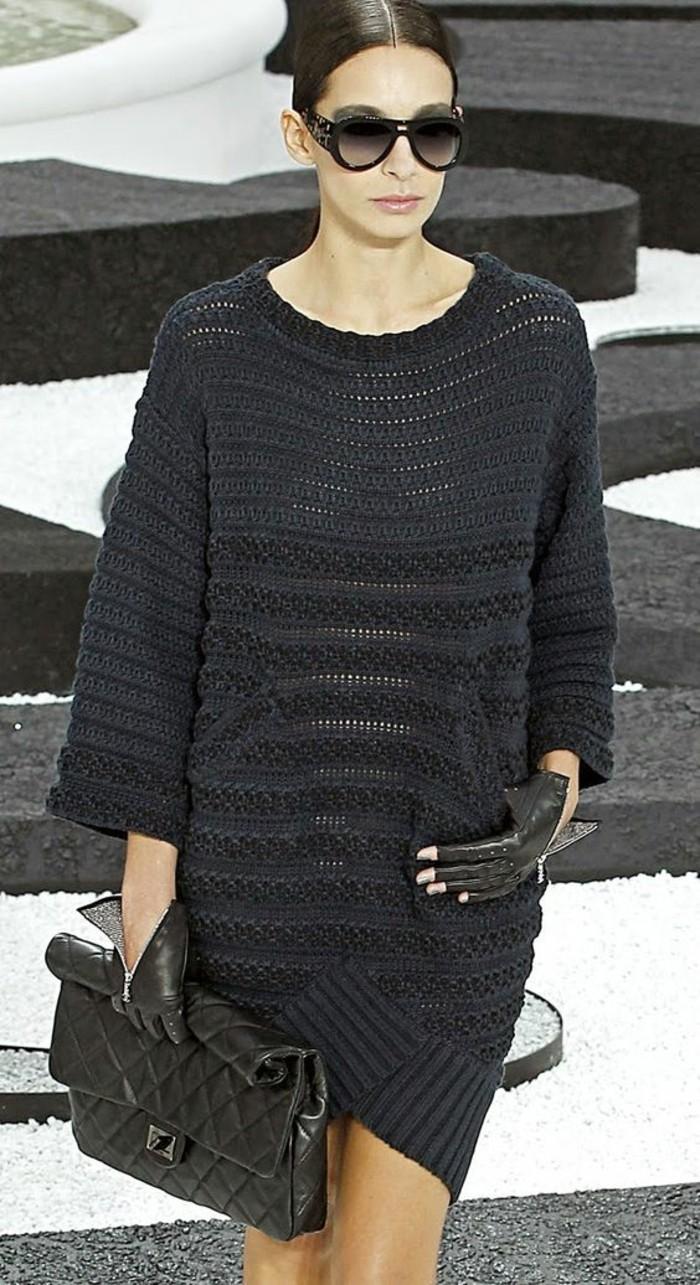 robe-laine-femme-gris-foncé-mini-au-crochet-ajourée