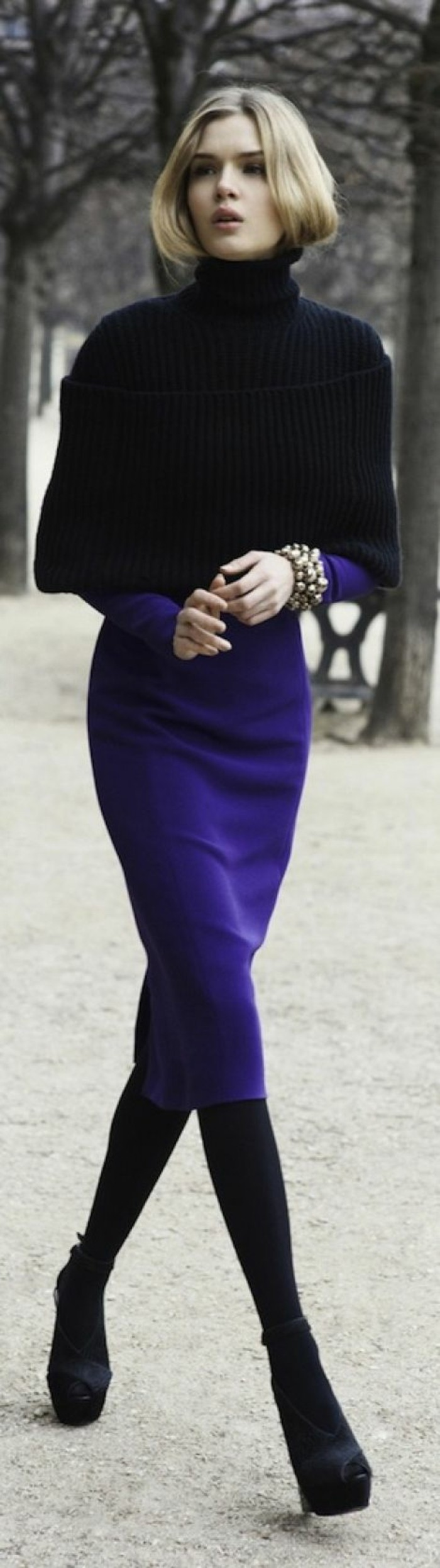 robes-en-laine-en-bleu-royal-et-noir