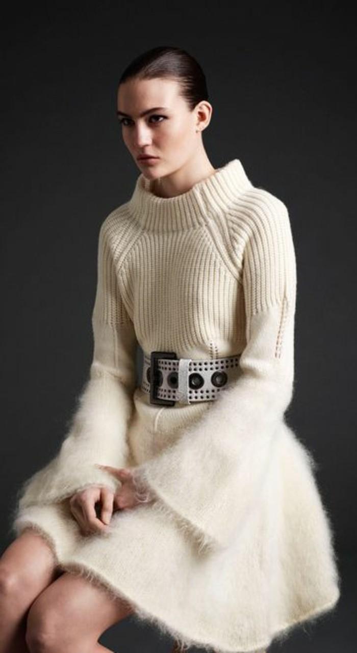 robes-en-laine-pour-femme-écru-avec-ceinture