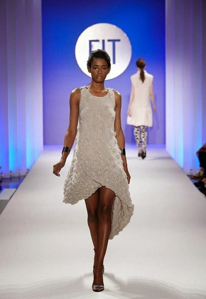 robes-en-laine-pour-femme-de-longueur-différente-des-deux-cotés