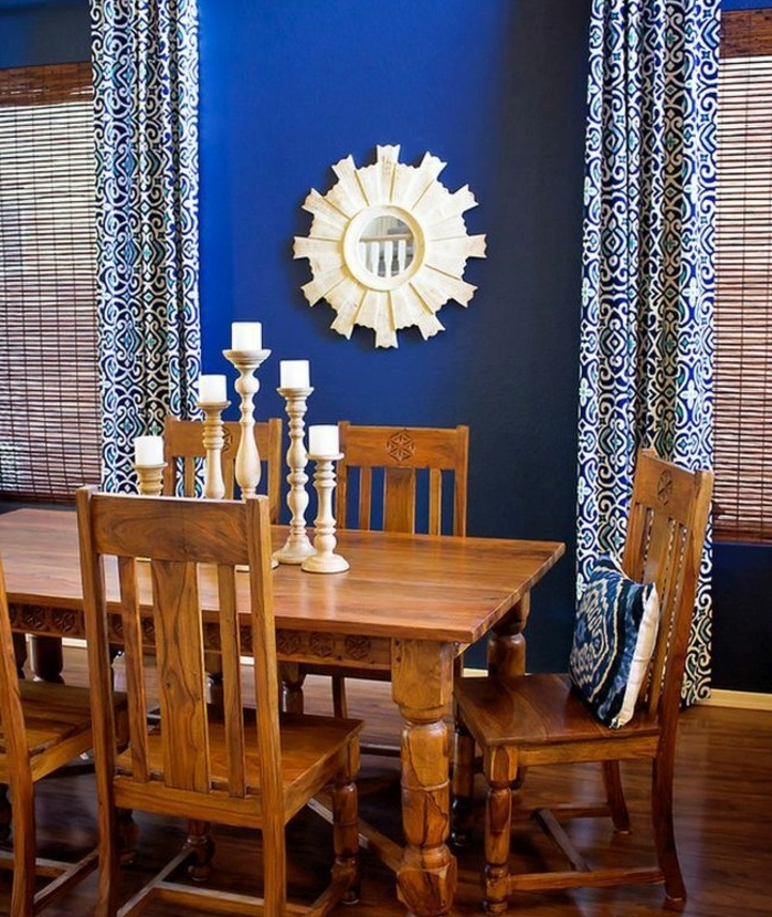 1001 id es pour une d co maison couleur indigo for Table a manger contre le mur