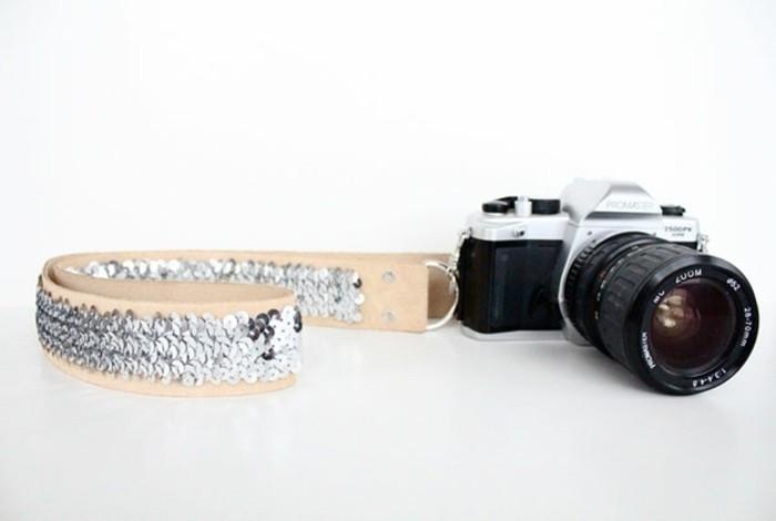 sangle-personnalisé-d-appareil-photo-idée-cadeau-pour-une-amie-qui-amie-la-photographie