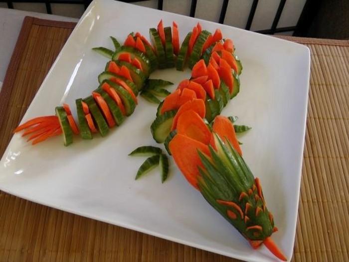 sculpture-pasteque-dragon-en-carottes-et-concombres