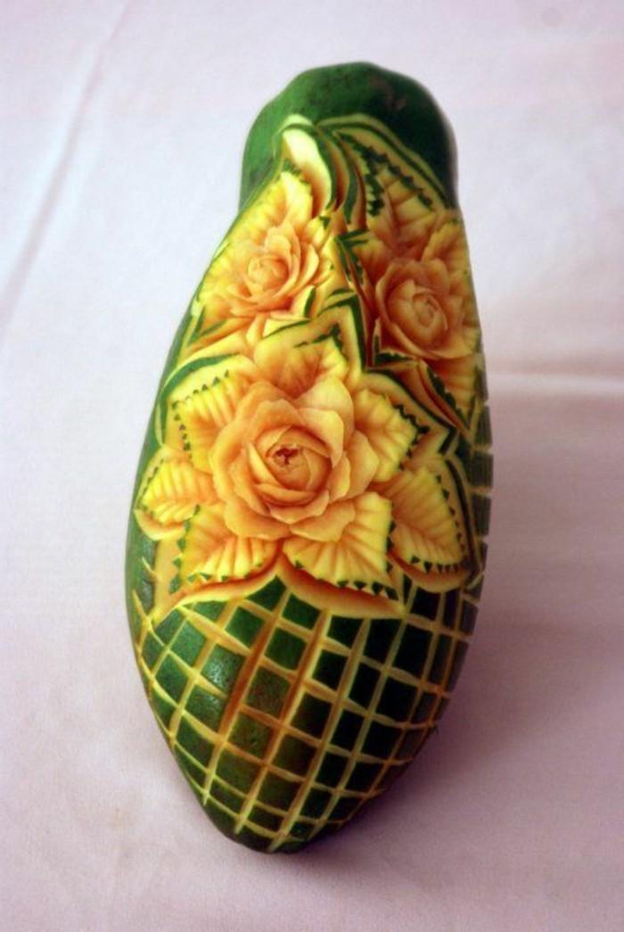 sculpture-pasteque-l'art-de-modeler-sur-fruits-et-sur-légumes