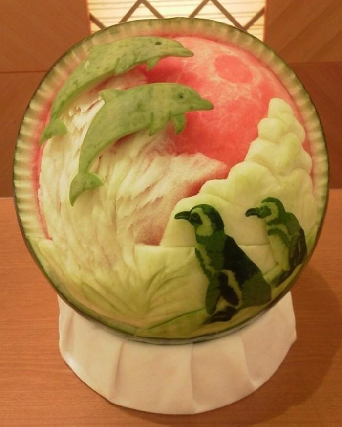sculpture-pasteque-sculptures-originales-avec-des-fruits
