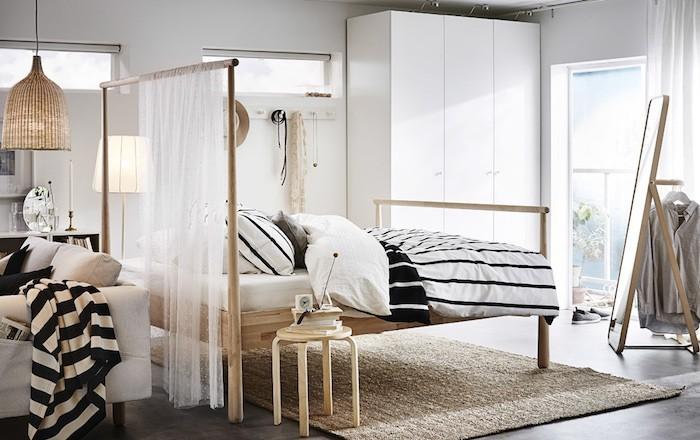 separation-de-piece-amovible-ikea-salon-salle-a-manger-separer-une-chambre-en-deux-bois-rideaux-blanc