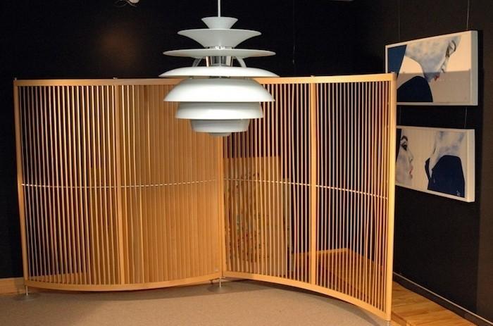separateur-de-pieces-meuble-separation-cuisine-idee-separer-rideau-en-bois-amovible-original-design