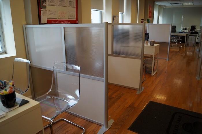 cloison pour separer une chambre with cloison pour. Black Bedroom Furniture Sets. Home Design Ideas
