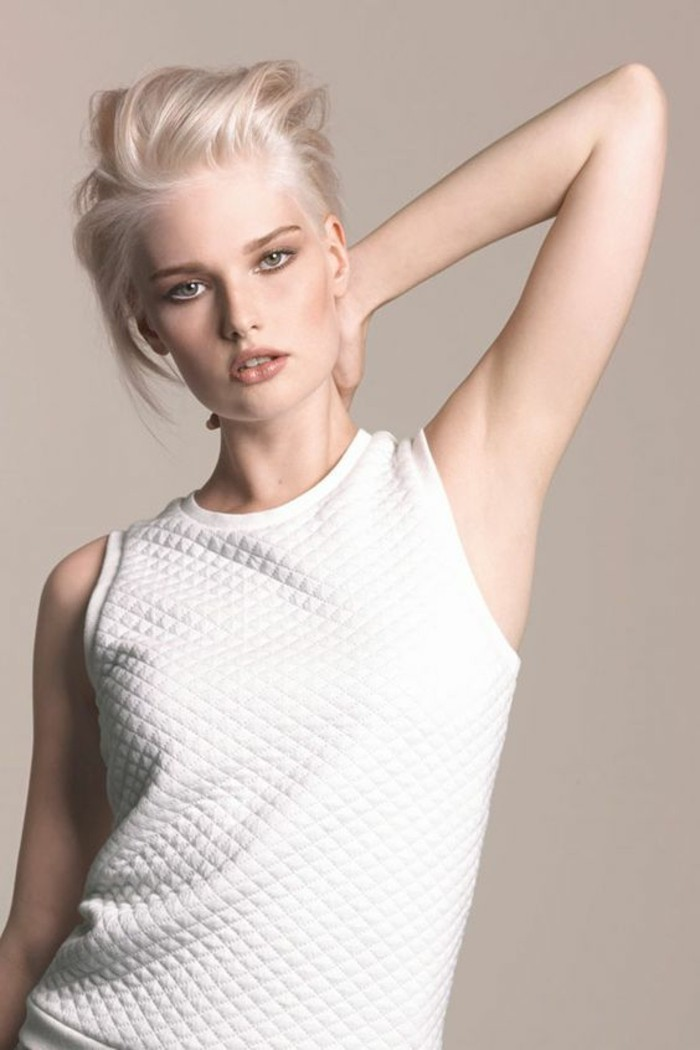 tendance-été-blond-nordique-coupe-courte-chic-