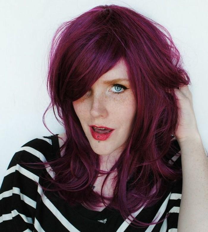 tendance coloration violine coiffure avec volume - Coloration Rouge Violine
