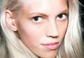 Le blond polaire – comment adopter ce blond froid pour avoir un look glamour
