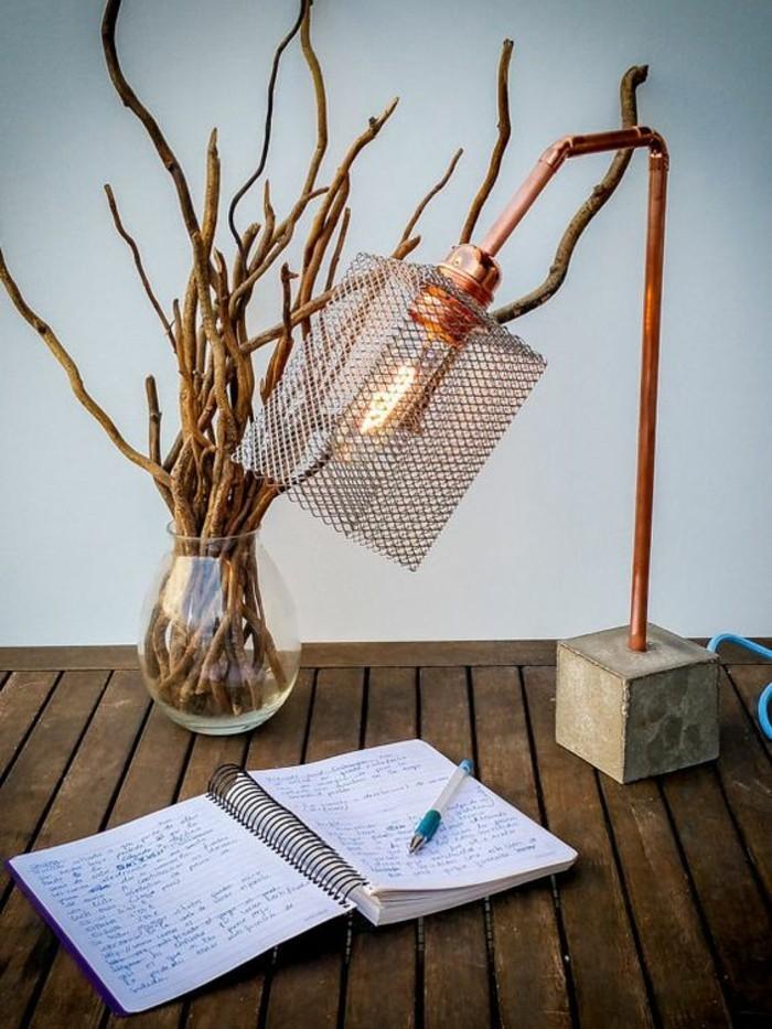 tendance-tubes-de-cuivre-lampe-de-bureau-recyclé-idée-récup-déco-
