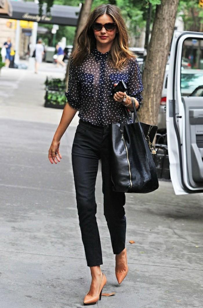 tenue-commerciale-femme-vision-élégante-chaussures-en-couleurs-pastel
