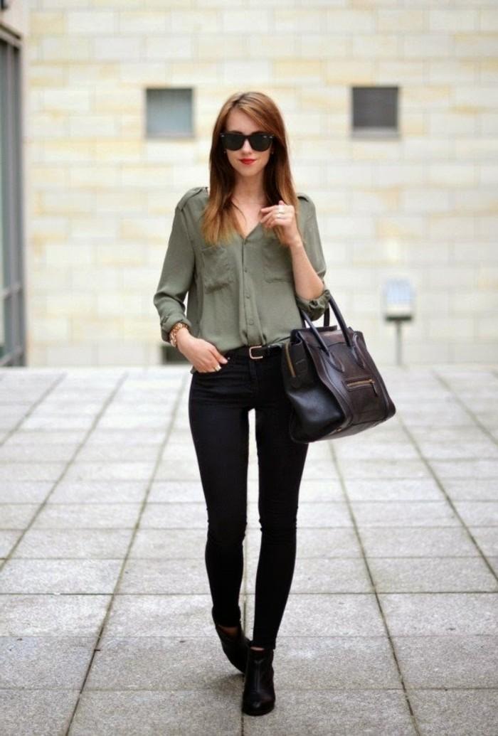 tenue-commerciale-femme-vision-simple-et-élégante-avec-un-pantalon-noir-et-chemise-kaki