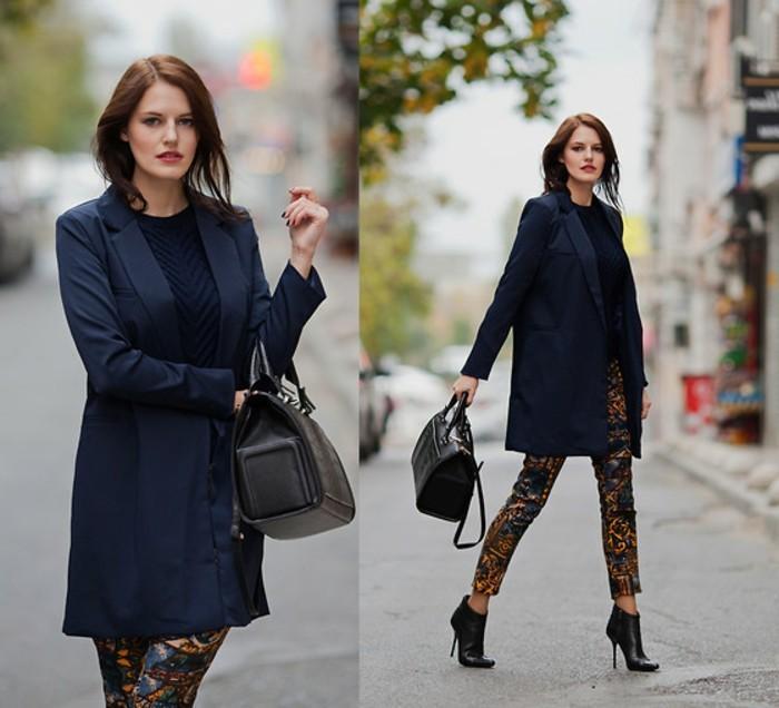 tenue-professionnelle-femme-vision-élégante-avec-un-manteau-et-blouse-en-bleu-foncé-et-pantalon-originale